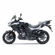 motocicleta_kawasaki_versys_1000_negro_blanco_2020_foto1