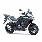 motocicleta_kawasaki_versys_1000_negro_blanco_2020_foto2